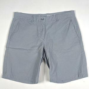 Khakis by Gap Boyfriend Roll Up Size 8 Gray Shorts